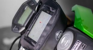 Túi treo đầu xe máy có ngăn để điện thoại chuyên biệt